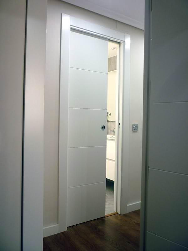 Crisang puertas suelos armarios y materiales de for Puertas para entrada de cocina